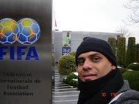 Na sede da FIFA. Foto básica de turista
